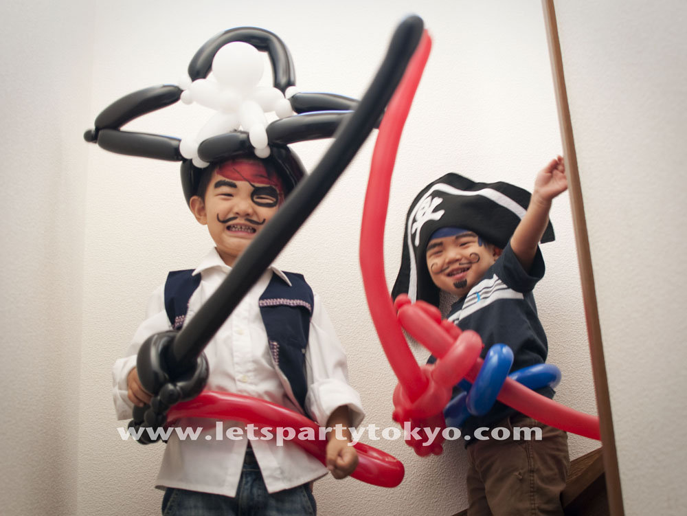 Leo 4 Years Old Taiki 2 With Pirate Balloon Swords Belts And Hats